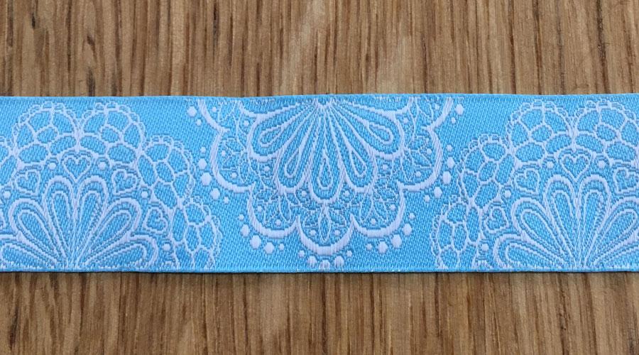 Ajani - blau mit weißen Blumen