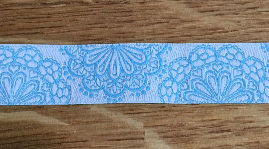 Ajani - weiß mit blauen Blumen